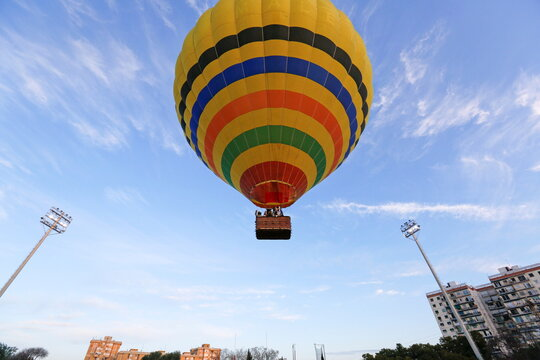 Three Kings fly over Seville in hot air balloon