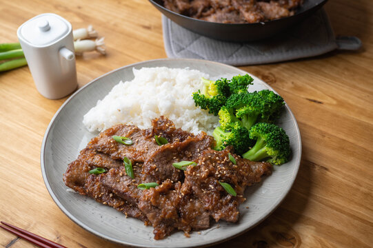 mongolian beef with rice and broccoli