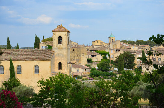 Medieval village Lourmarin, district of Vaucluse in Provence-Alpes-Cote d'Azur in France, classified as one of the most beautiful villages in France