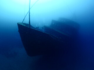 shipwreck scenery underwater ship wreck deep blue water ocean scenery of metal underwater