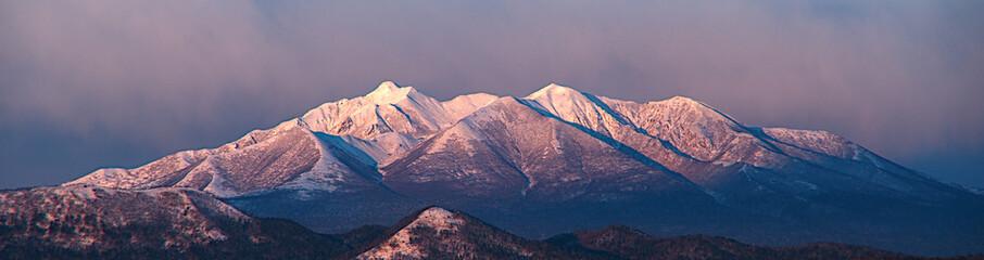 美しい姿の白銀の山脈。
