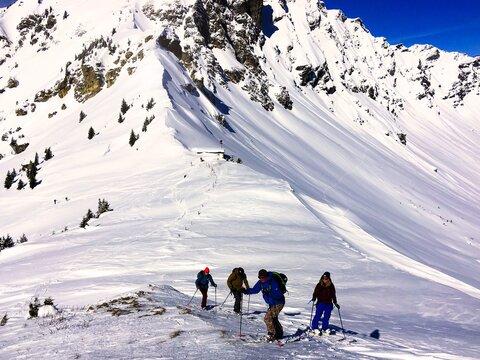 Ski touring and splitboarding