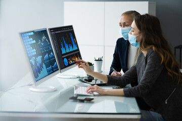 Financial Data Analysts In Office