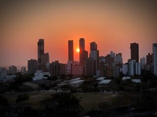 Obraz View Of City At Sunset - fototapety do salonu
