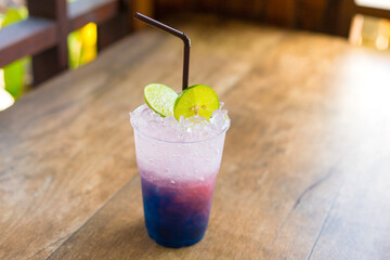 Obraz Close-up Of Drink On Table - fototapety do salonu
