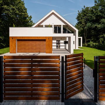 Wooden style fence in nice house