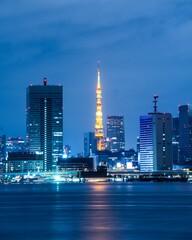 Obraz Illuminated Buildings In City - fototapety do salonu