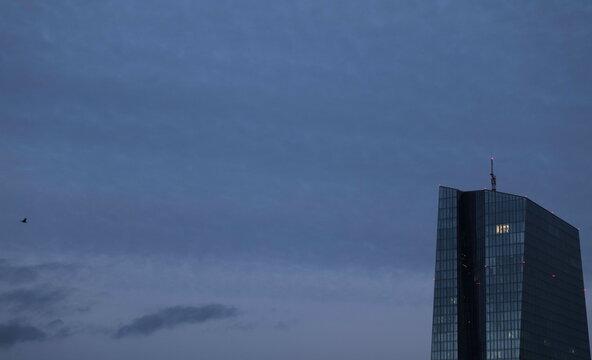 Extended lockdown in Frankfurt