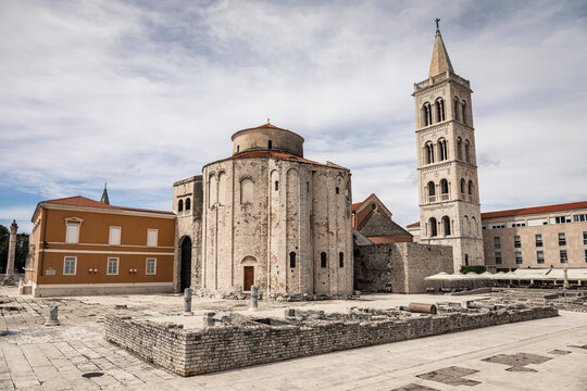 Croatia, Zadar, Church of St Donatus and cathedral bell tower