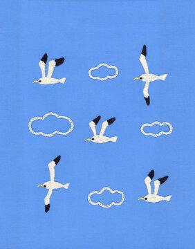 かもめと雲の刺繍