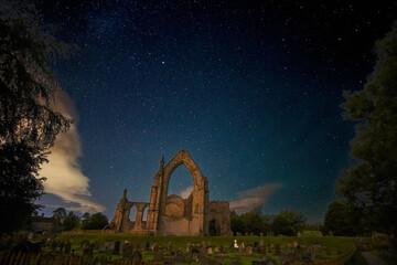 Obraz Bolton Abbey Against Sky At Night - fototapety do salonu