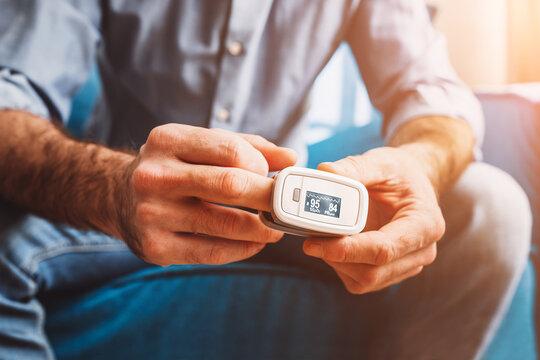 Lower normal oxygen saturation for symptoms - pulse oximeter measurement - self diagnosis