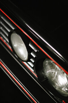 front lights and grill of agolf mk2