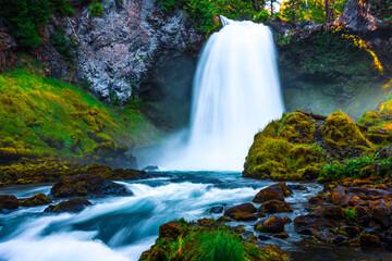 Sahalie Falls Cascades on the Mckenzie River, Oregon Wall mural