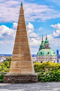 Vom Burgberg bis St. Nikolaus in Prag