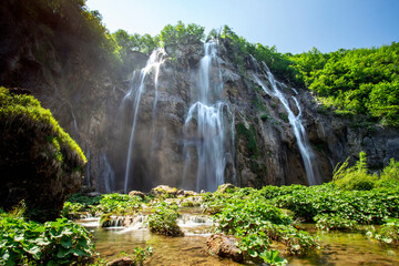 Wall Mural - Beautiful waterfall in Plitvice lakes national park in Croatia
