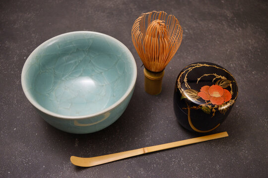 Japanese tea ceremony Tea bowl, tea whisk and lacquer tea caddy 茶道 茶碗、茶筅と棗