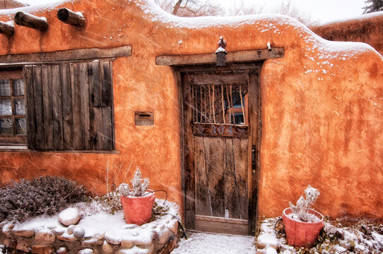 Old adobe;  Santa Fe, New Mexico