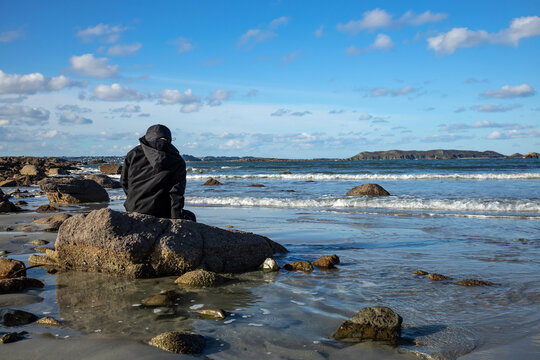 Winter break on a Breton beach in front of the sea