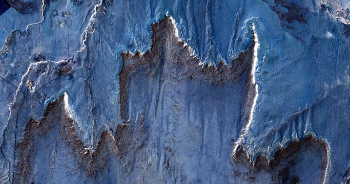 United States, abstract photography of relief drawings in  fields in the U.S.A. from the air, Genre: Abstract Naturalism, from the abstract to the figurative,