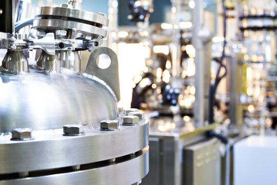 Chemical industrial titanium reactor