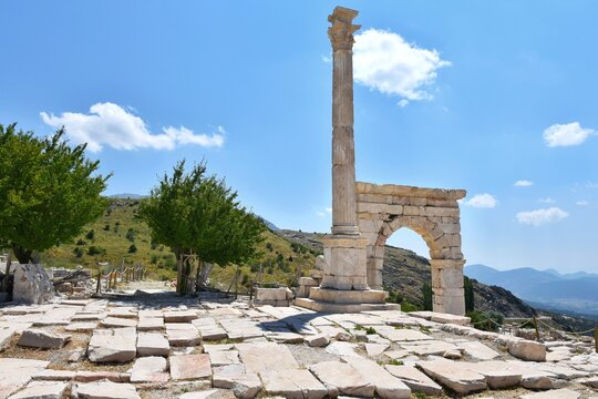 Marble ach and columns in Sagalassos Ancient City, Burdur, Turkey. Ruins of the ancient Roman city of Sagalassos.