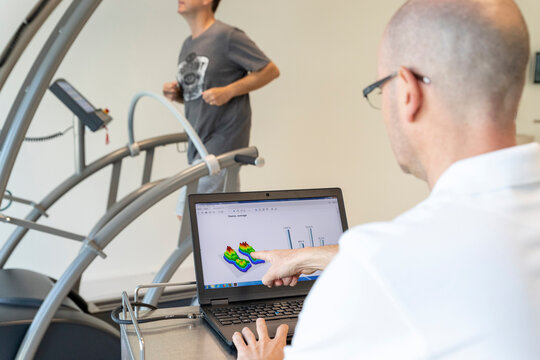 analysis of a patient's running on a treadmill