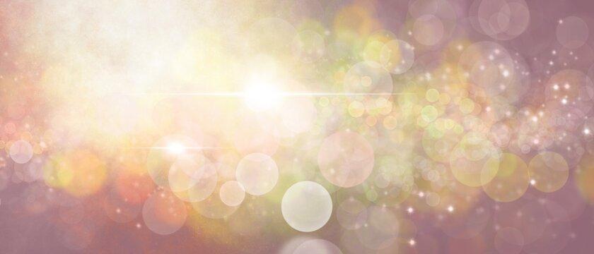 Bello sfondo rosa e dorato magico con illuminazioni e bokeh. Blurry abstract banner