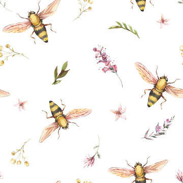 Watercolor bee seamless pattern. Vintage wildflowers texture. Natural botanical wallpaper