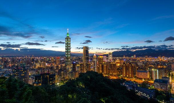 Taipei 101 Tower at Night, Taipei, Taiwan