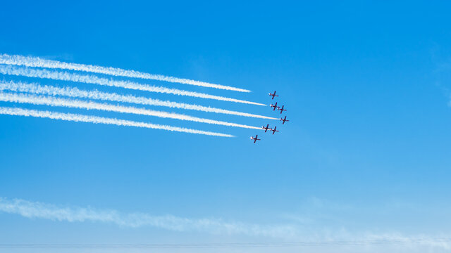 Airplanes taking part in air show
