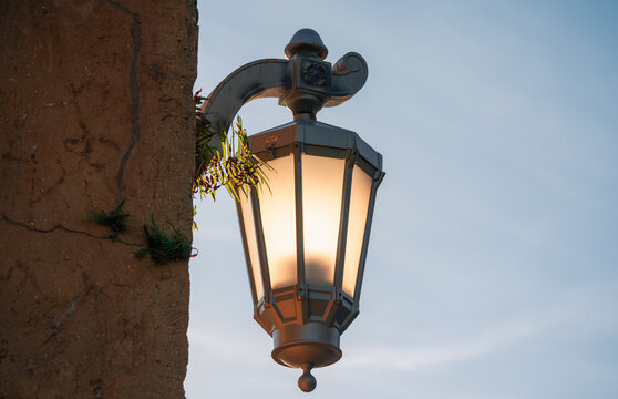 street lamp on the wall cute illumination
