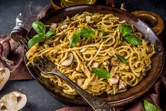 Mushroom spaghetti pasta