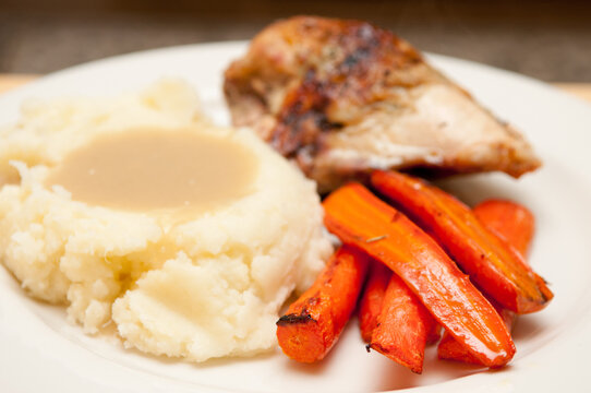 roast chicken with mashed potatoes