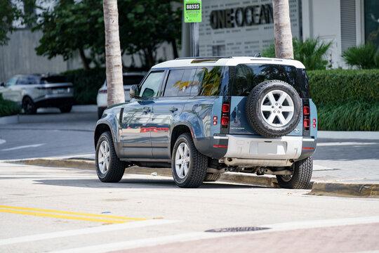 2020 2021 Land Rover Defender vehicle rear drivers quarter photo