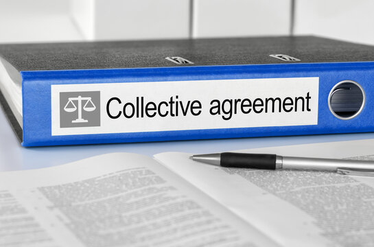 Folder with the label Collective agreement