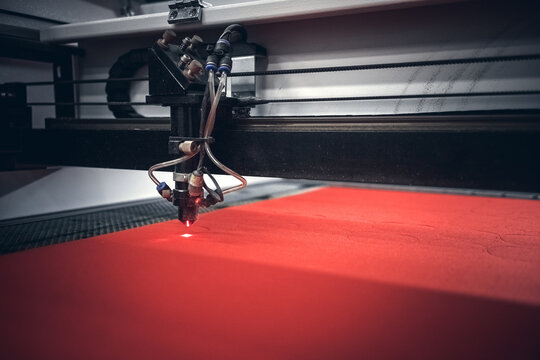 Laser machine, cutting soft felt with laser