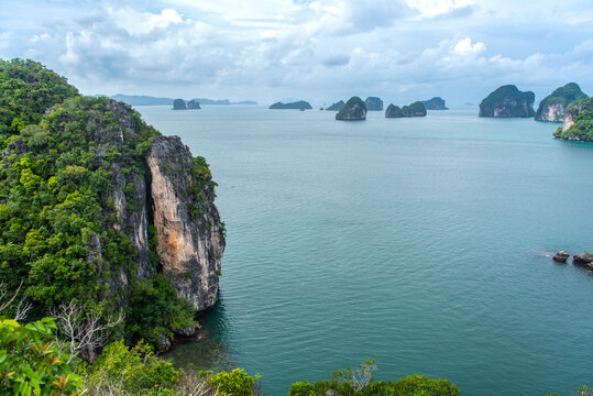View of Hong Island, popular tourist attraction in Krabi, Thailand