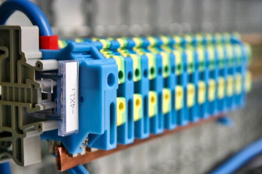 electrical engineering cable clamps