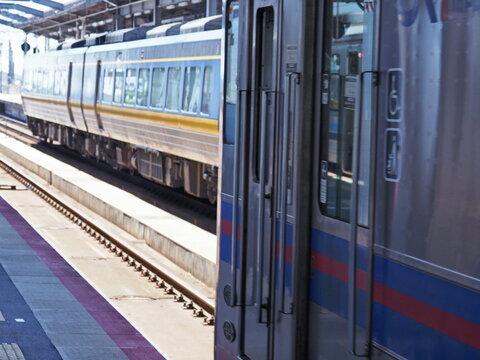 島根山陰線、列車の扉。