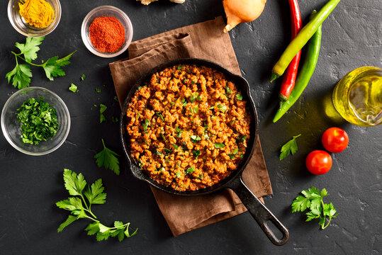 Keema curry in frying pan
