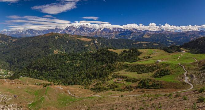 Panorama de la chaine du mont blanc, haute Savoie