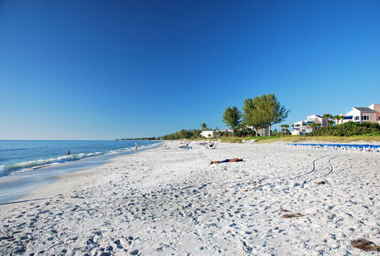 Strand au der Insel Longboat Key im Golf von Mexico, Florida