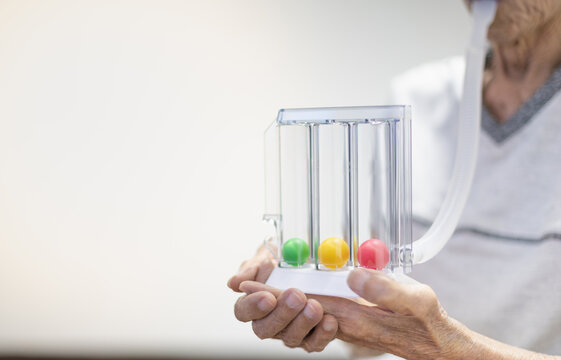 The Tri-ball incentive spirometry is medical equipment for elderly or patient with post operation.