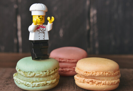 Macaroons and Chef Toy Lego