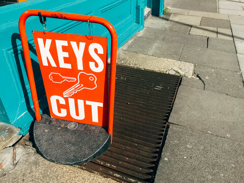 Key Cut Sign