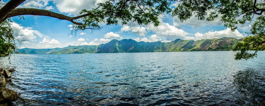 Laguna de Ayarza