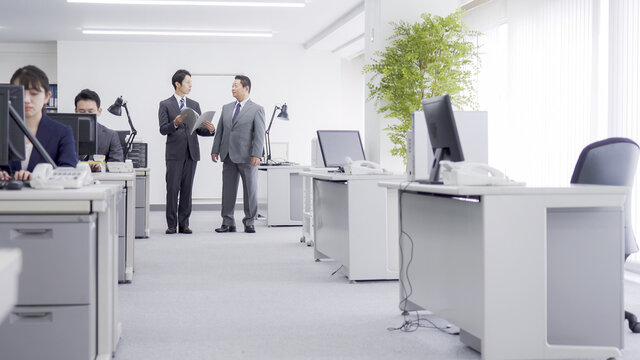 オフィスワーク ビジネスマン