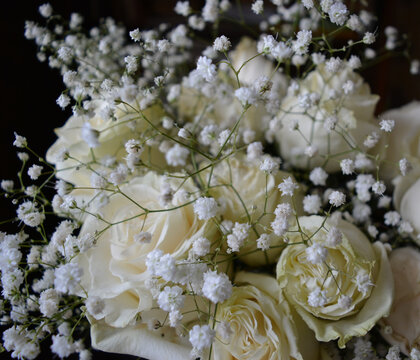 bouquet of  white roses and gypsophila. beautiful floral arrangement.