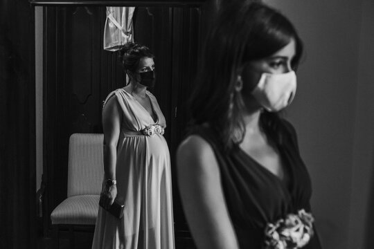 Group of bridesmaids with surgical masks